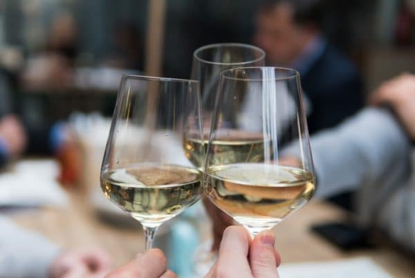 vins-pessac-leognan-blanc-verres-degustation