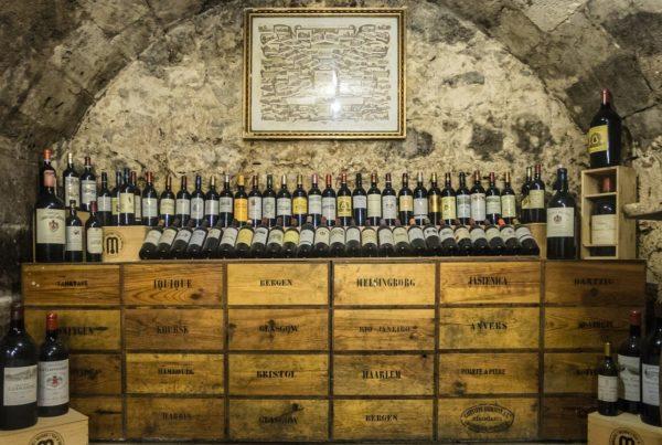 apprenti-sommelier-vins-pessac-leognan-actualites-comment-faire-du-vin-caisse-bouteille