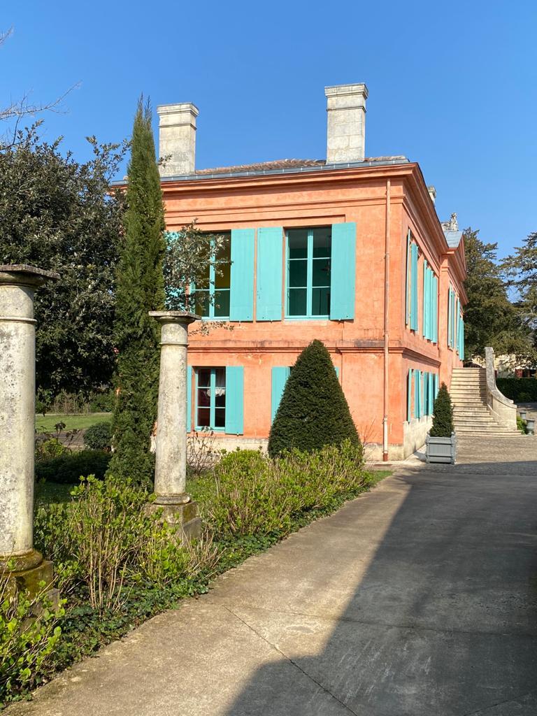vins-pessac-leognan-l-apprenti-sommelier-chateau-pont-saint-martin-batiment-principal-3