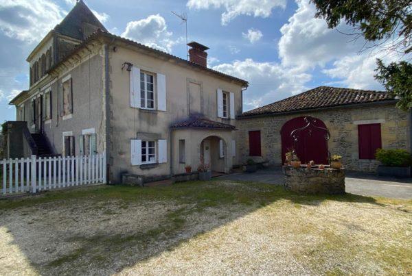 vins-pessac-leognan-l-apprenti-sommelier-domaine-de-grandmaison-visite-vignoble-chateau-batiment-3