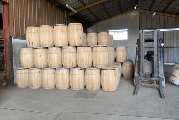 vins-pessac-leognan-l-apprenti-sommelier-actualites-art-fabriquer-tonneau-de-vin-barrique-merrain-douelle-bois-chene-tonnellerie-marques-26